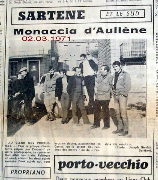 sur la place de la caserne de Monacia d'Aullène en 1971