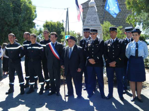 cérémonie de remise du diplôme d'honneur des anciens combattants
